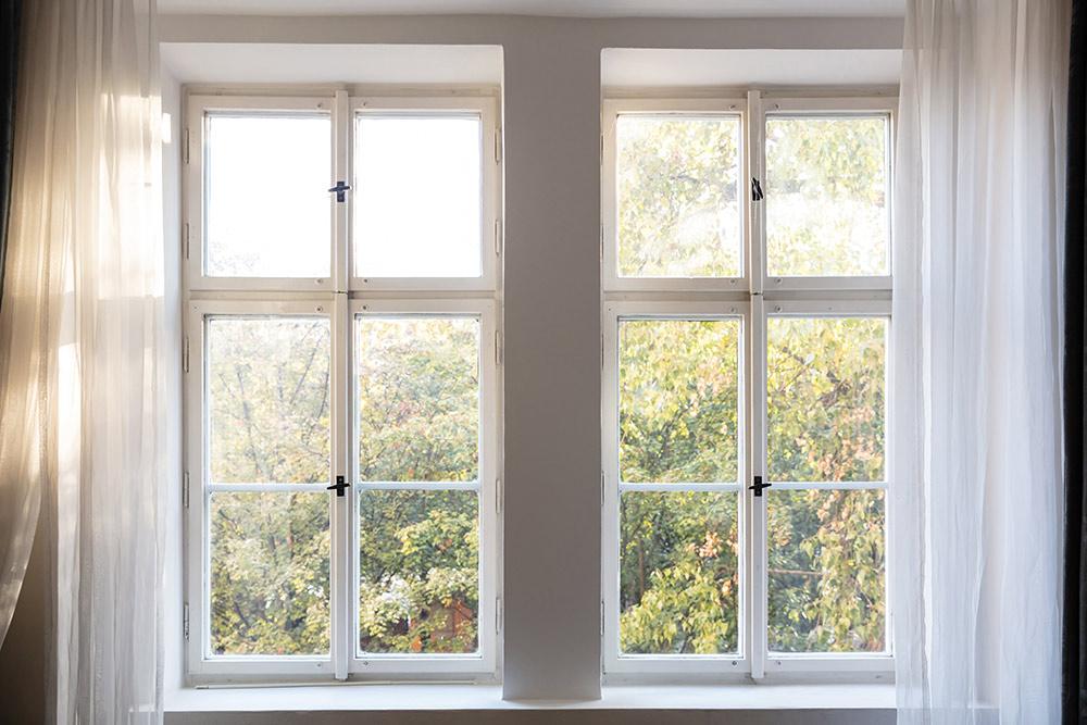 Wood Framed and Casement Windows Glass Repair