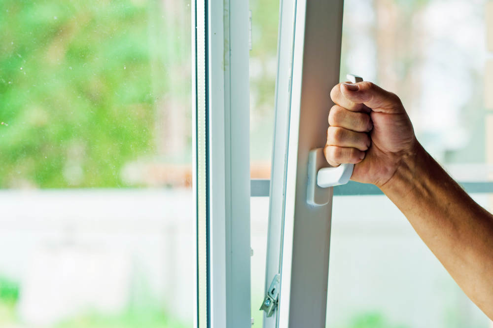 What to Do When a Window Breaks | Victorville Vern's Glass Contractors